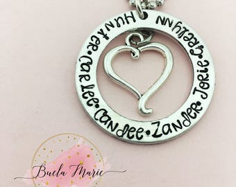 Personalized mom/grabdma necklace conplete with kids names