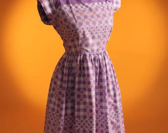 Vintage 1950's Lilac & White Cotton Gingham Rose Print Summer Dress. UK 8 US 4