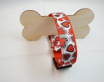Dog collar collar of lovely hearts heart red/white 33-51 cm