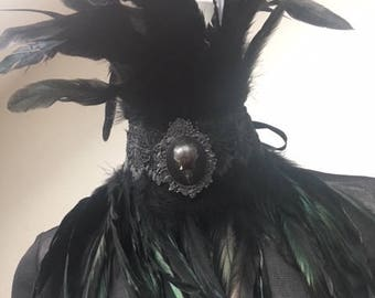 feather collar Serena black goth brooch