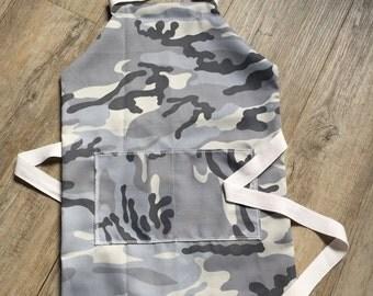 Children's apron, Camouflage Apron,Kids Apron, Adjustable apron, Age 1- 5 years