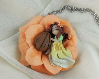 Thumbelina Chibi Doll Necklace // Polymer Clay Kawaii Doll // Fairy Tale Jewelry // Gift For Her