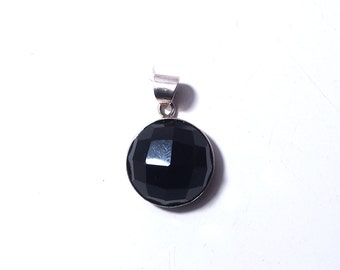 925 Sterling Silver pendant and onyx