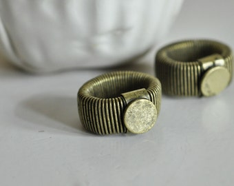 Support of adjustable brass color ring bronze with 10mm tray