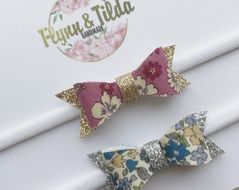 Set of 2 baby headbands froufrou sparkly bows
