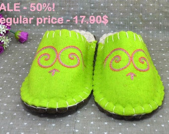 HOT Sale - 50%! Natural felt slippers, size EUR - 36 , US - 6