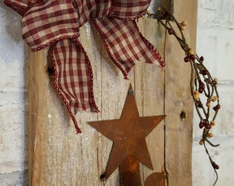 Reclaimed Wood Wall Decor,  Rusty Star Pipberry Garland Wall Decor