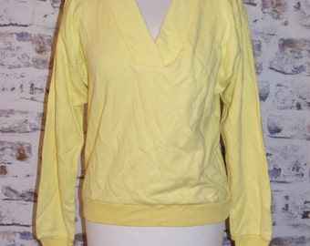 Size 12 vintage 80s loose fit long sleeve v neck sweatshirt yellow (GR12)