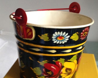 Vintage Hand Painted Tole Painted Tin Bucket