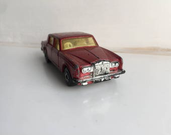 Matchbox superfast Rolls-Royce Silver Shadow number 39 Red