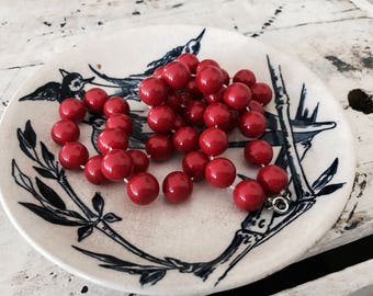 Vintage Cherry Red 1980's Beaded Necklace // Boho Americana