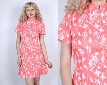 70s Mod Floral Dress // Vintage Mini Dress Mandarin Collar Shift - Medium