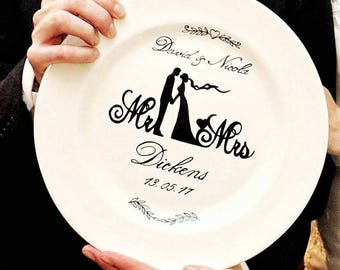 Custom wedding gift, personalised plate, bride and groom, special occasion memento, bridesmaid gift, best man gift, hand painted present