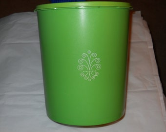 Large Vintage Tupperware Cannister