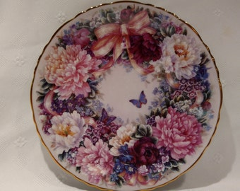 Circle of Love Collection Plate First Issue Floral Greetings from Lena Liu 9274C