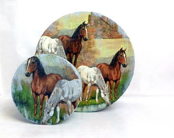 Round boxes with horses • decoupage