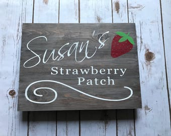 Strawberry garden, personalized sign, garden lover, garden sign, outdoor decor, plant sign, wooden sign, home decor, rustic decor, wood sign