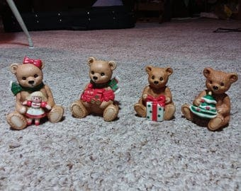Vintage Homco Christmas teddy bears. Two different sets. Very cute to decorate with together. Estate found