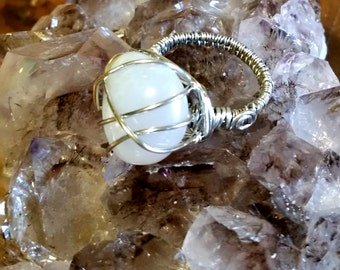Handmade Silver Wire Wrapped White Oregon Coast Agate Ring Size 9