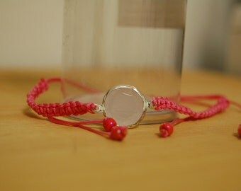 Pink gem macrame bracelet