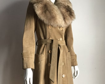 Jane Fonda's Bagatelle S Beige Natural Suede Lined Military Cut Coat with Sheep Fur Collar 70's