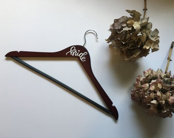 CUSTOMIZABLE WEDDING HANGERS