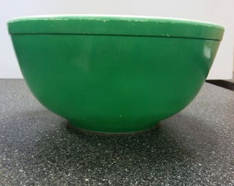 Green 1940's Pyrex Primary, Primitive, Unnumbered, mixing bowl  ...................... FREE SHIPPING