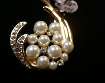 Vintage Faux Pearl and Crystal Brooch