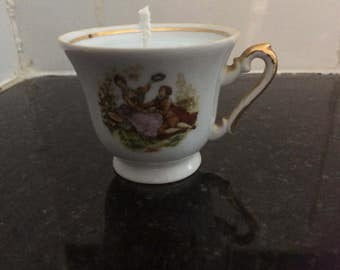 Regency design cup candle