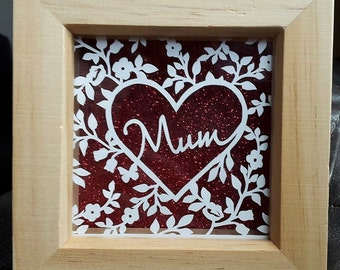 Mum. Heart. Floral. Papercut. Hand Cut. Wooden. Frame. Tommy & Tilly Designs. Birthday. Mothers Day. Mothering Sunday. Present. Gift. Mother