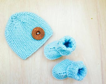 Baby Hat boots - Baby newborn set - Blue Preemie Newborn Hand Knitted Baby Set - Beanie and socks - Baby Gift - Photo Prop - Baby boots -