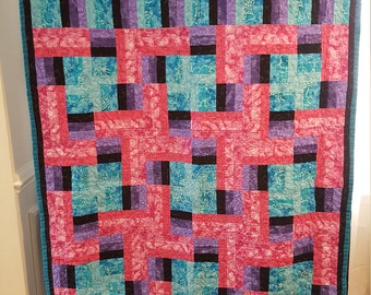 Graphic Pink/Turquoise quilt