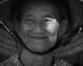 Woman, Hoi An, Vietnam - Print Photograph/Black and White/People/Travel Photography/Wall Art/Home Decor