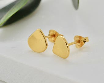 Minimal Gold Studs Petal Earrings Gold Stud Earrings Gold Earrings Everyday Earrings Simple Earrings Gift for Her Best Friend Gift
