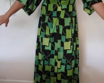 70s green and black floor length Hippie Boho Maxi dress