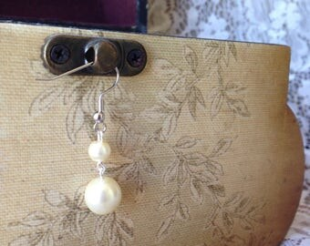 Simple Off White Pearl Earrings