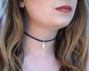 Angel Wing Heart Choker