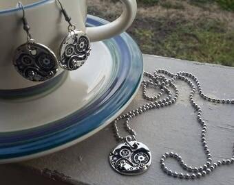 Gear pendant necklace & earring set