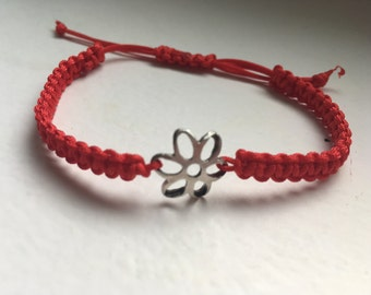 Macrame bracelet red with Silver flower