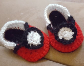 Crochet Pokeball shoes
