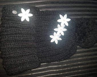 Ladies black chunky diamate flower pom pom hat