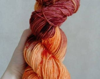 """Wool-Polyamide """"Land of fire"""" hand dyed wool"""