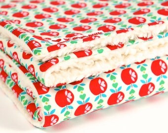 """Red apples"", baby blanket, blankie, with baby on the way, cotton blanket,"