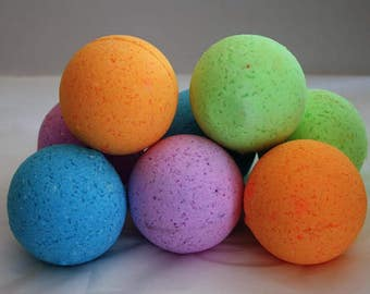 Handmade Bath Bombs. 49 Different Scents. Pick-you-own bath bombs! Stocking Stuffer. Christmas Present. Christmas Gift. Gift for Mom.