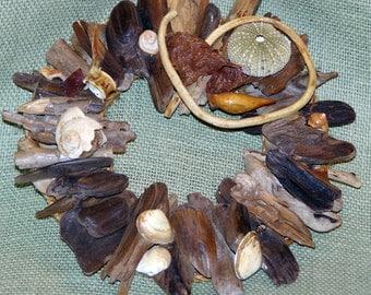 11-inch diameter Beach Treasure Wreath