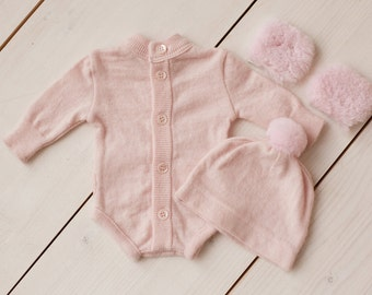 Newborn girl  romper with furs details (Elizabeth) - photography prop -pink,  newborn outfit