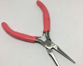 Needle Nose Pliers / Beading Pliers / Jewelry Design / Wire Wrapping Pliers / Jewelry Making Tools
