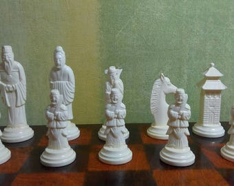 Vintage souvenir collectible chess of the USSR // Soviet plastic chess 1980s // Chess Oriental // plastic chessmen