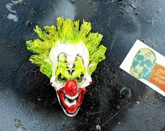Clowning magnet