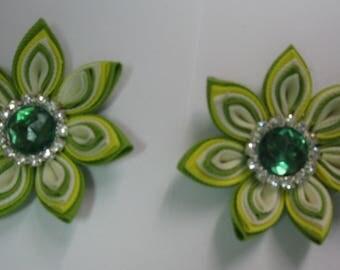 Kanzashi Tsumami Fabric Flowers. Set of 2 Hair Clips. Light Green, Ivory and Yellow Flower. Grosgrain Ribbon